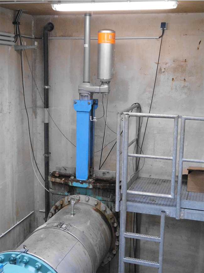 BEA® actuating a knife gate valve with rising spindle at sewage treatment plant (Crossen, Saxony, Germany)
